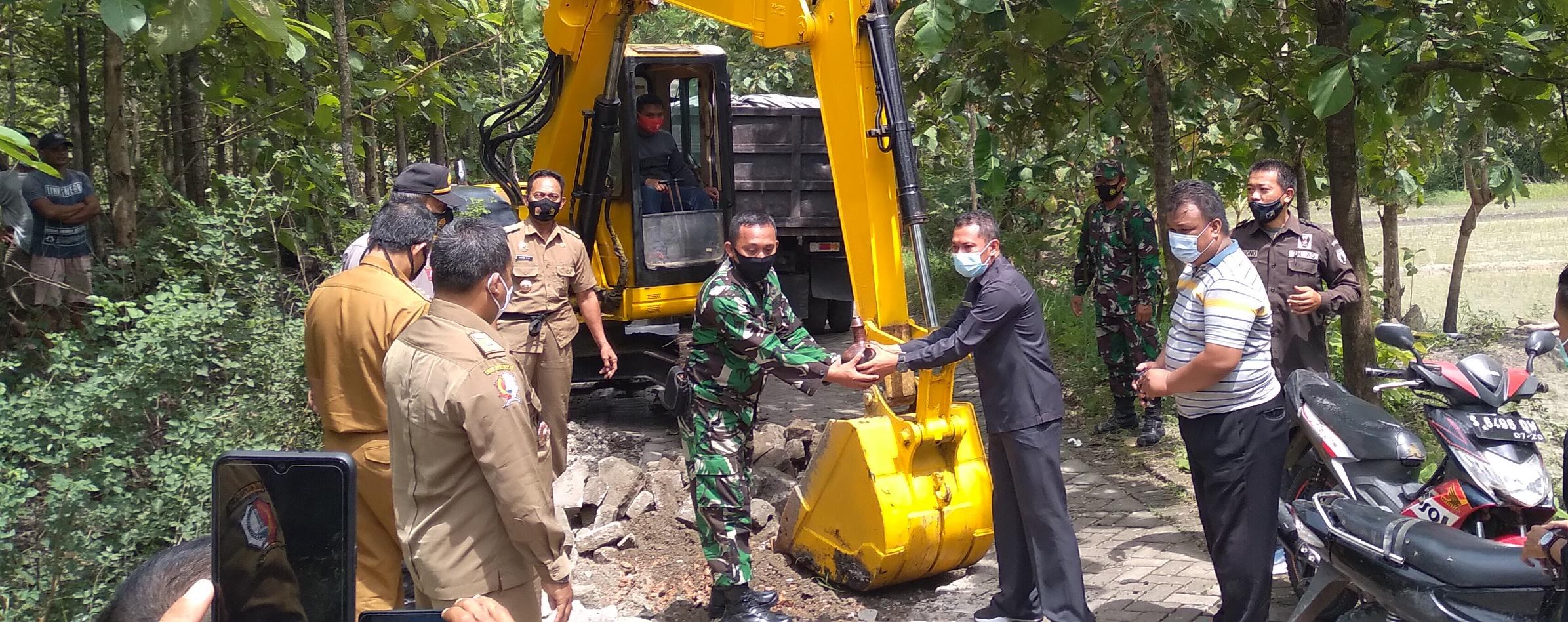 Pembukaan Pra TNI Manunggal Membangun Desa (TMMD) Ke-110 Kodim 0813 Bojonegoro <BR>di Desa Ngrancang dan Jatimulyo Kecamatan Tambakrejo Tahun 2021